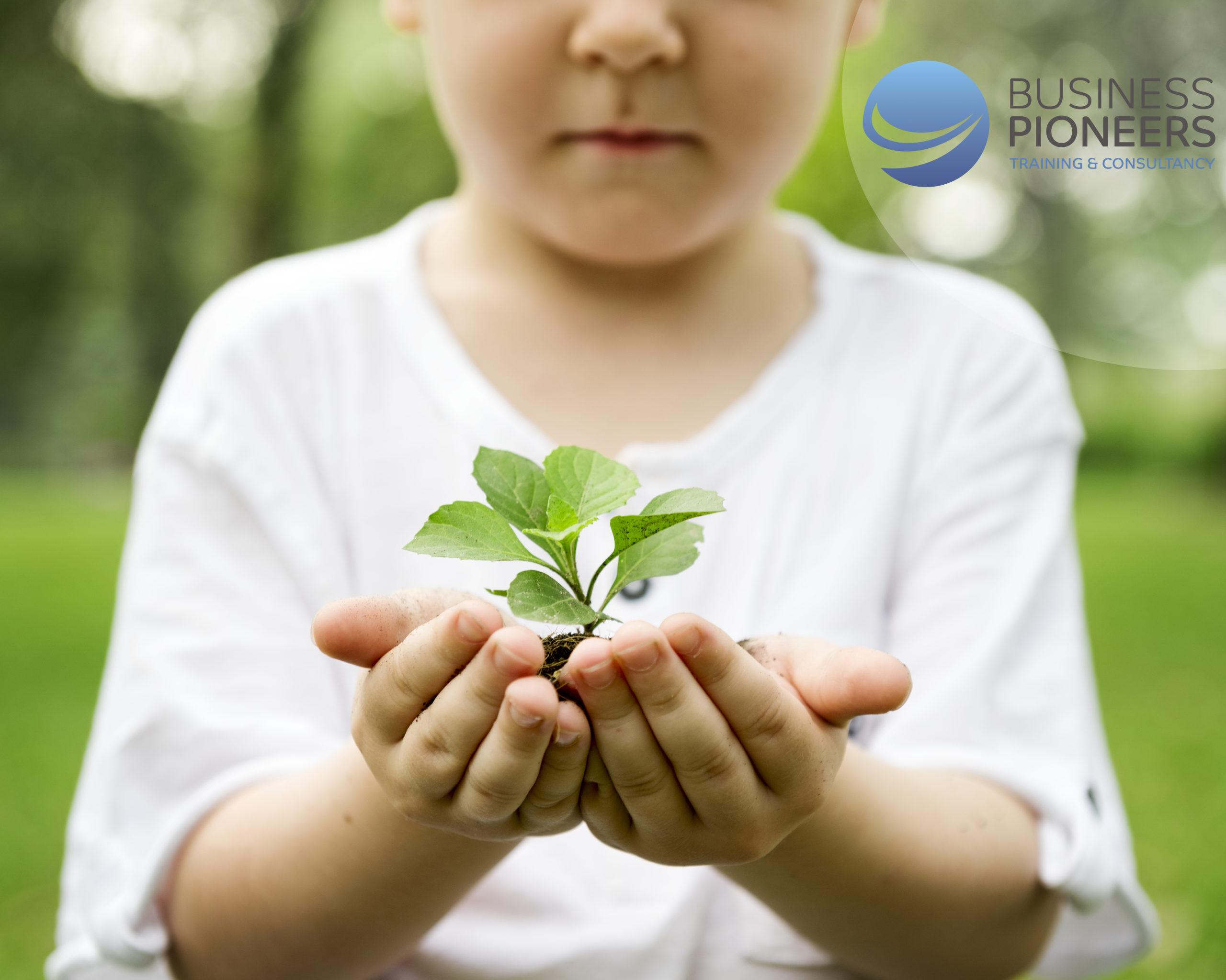 تعليم المستضعَفين : البذور المخفيَّة تحت التراب التي نطعم أبناءنا ثمارها